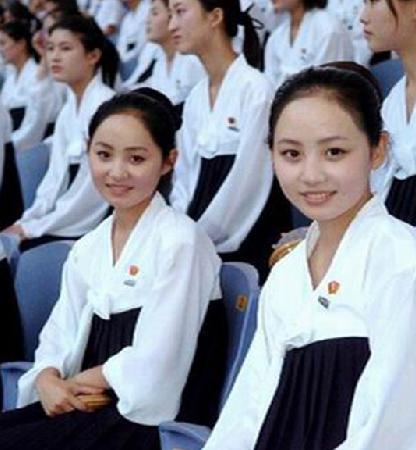 高清图—朝鲜女学生漂亮程度令人惊讶