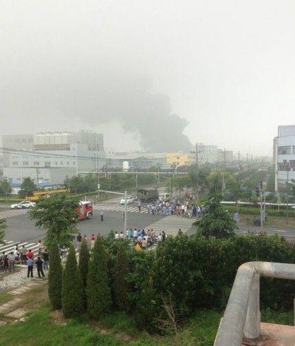 高清图—上海金山第二工业区金环路一家化工企业发生连环爆炸