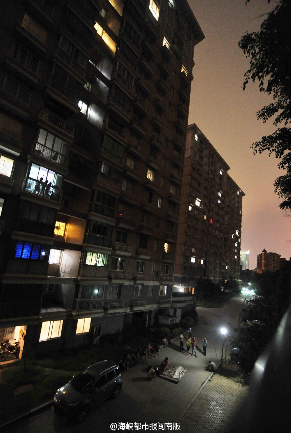 泉州东海街道宝秀小区男子14楼跳楼身亡