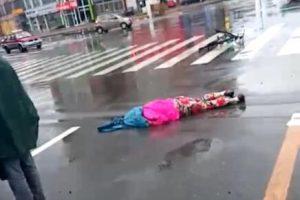 吉林市哈龙桥北端路口发生车祸